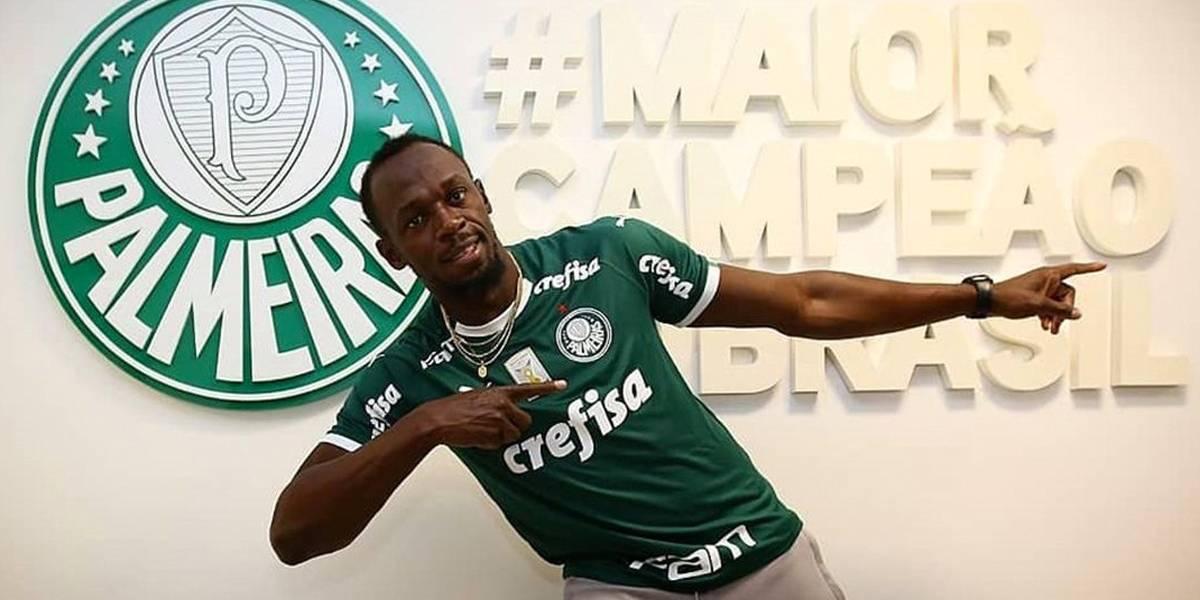 Usain Bolt visita o CT do Palmeiras, ganha camisa e tieta Felipão