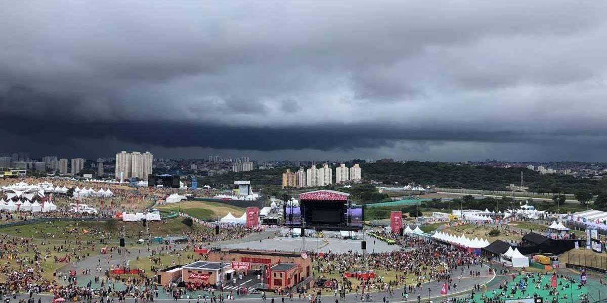 Lollapalooza: Shows devem ocorrer, mesmo atrasados; organização tenta ônibus para garantir volta para casa