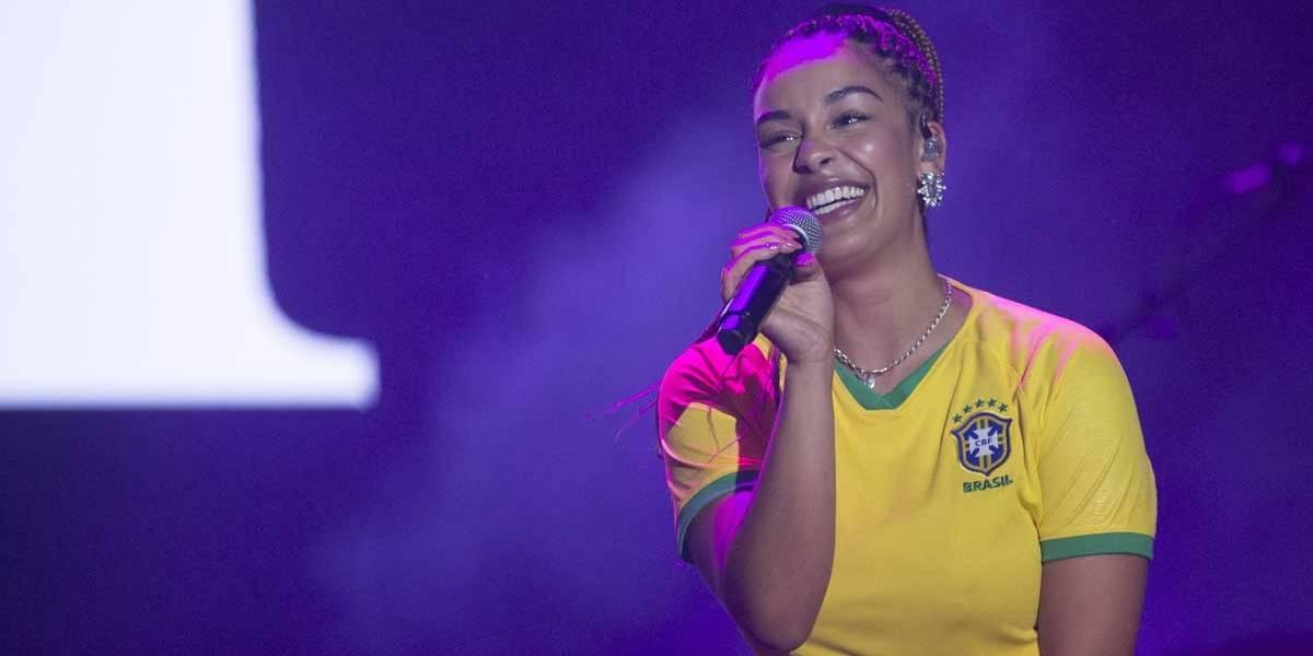 Lollapalooza: Jorja Smith, a gringa mais brasileira da edição
