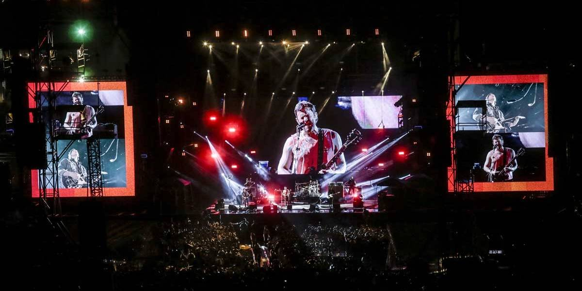 Lollapalooza: Kings of Leon encerra o tumultuado segundo dia; veja como foi o show