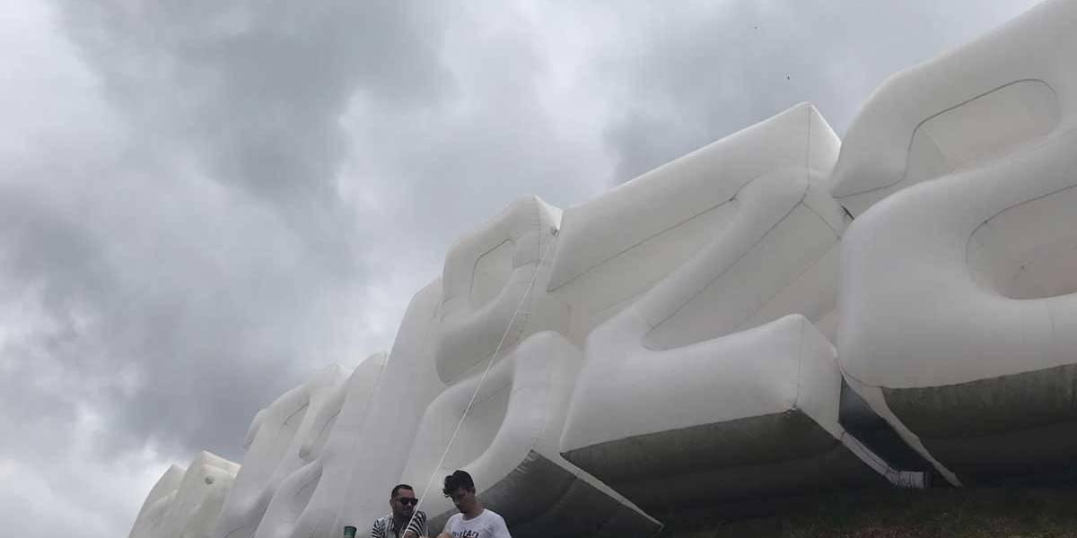 Lollapalooza: Ameaça de chuva forte e raios fecha portões do Autódromo