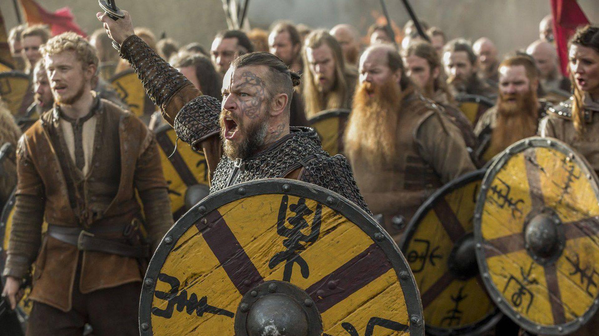 Investigadores hallan barca fúnebre Vikinga con restos de humanos en ella