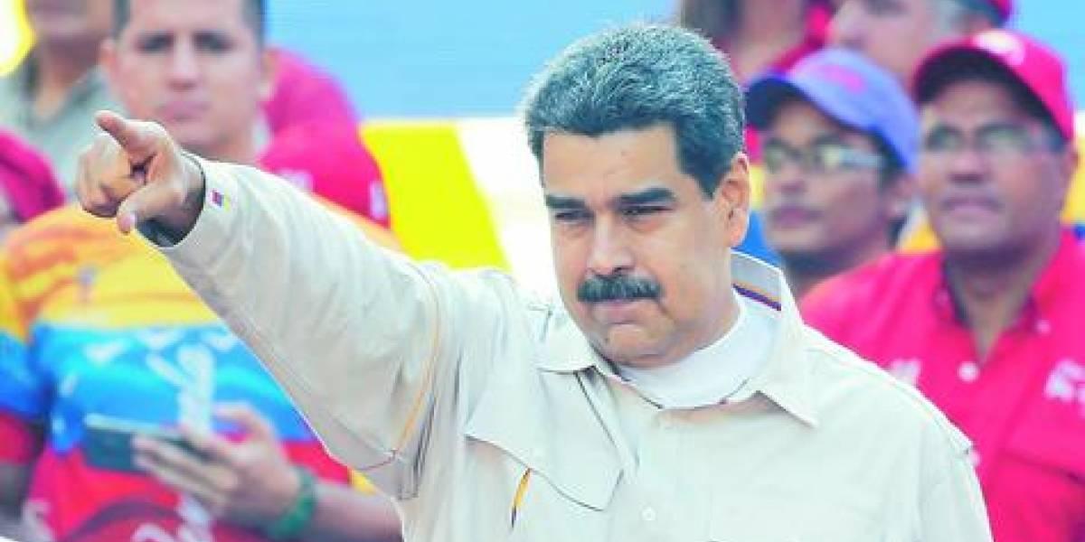 Maduro acusa a Chile y Colombia de los masivos apagones