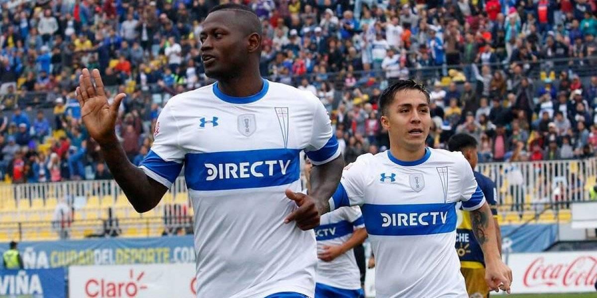 La UC le ganó un partido bravo a Everton gracias a Duvier Riascos y retomó la cima del fútbol chileno