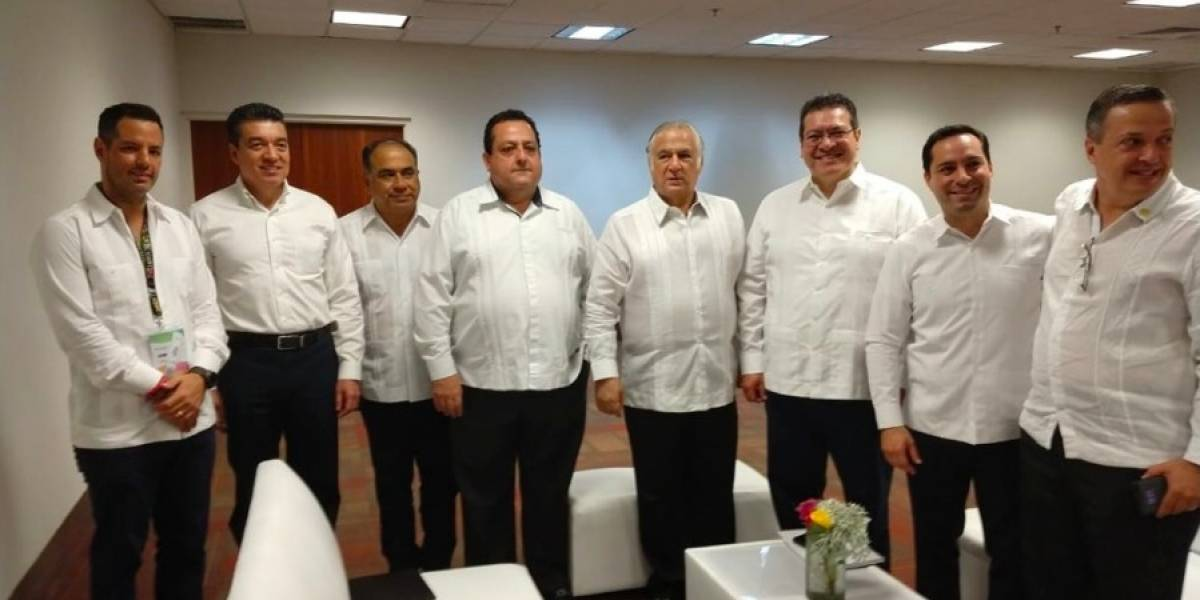 Miguel Torruco se reúne con integrantes de la Conago