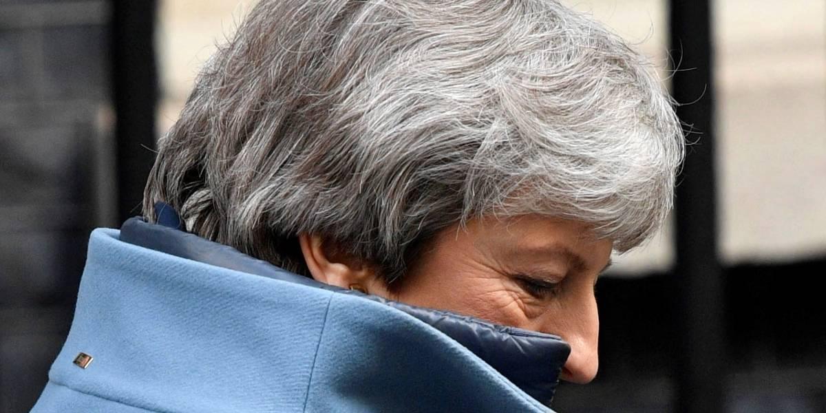 Pactar 'brexit' con la oposición es la única vía: Theresa May
