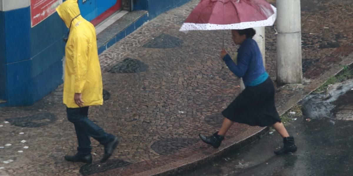 Chuvas causam alagamentos em cidades do interior de São Paulo