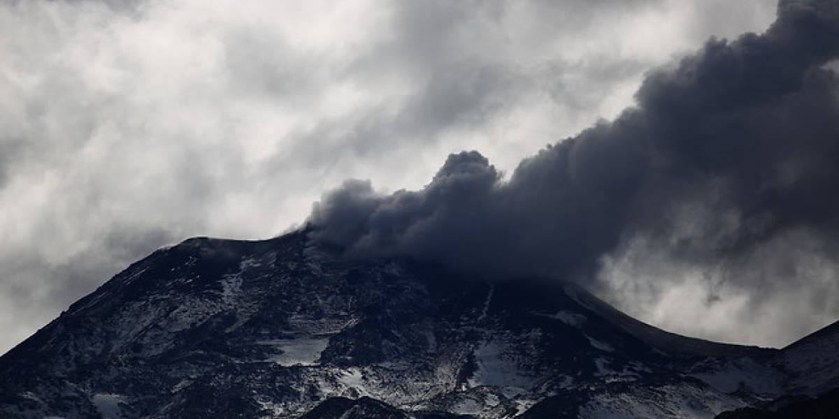 La segunda en 24 horas: registran nueva explosión en complejo volcánico Nevados de Chillán