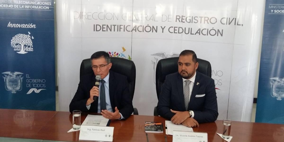 Implementación del pasaporte biométrico: Nueva cédula de identidad podría funcionar como un documento de viaje
