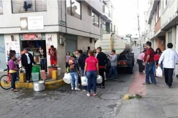 Usuarios reportan desabastecimiento de agua en el sector de Carapungo