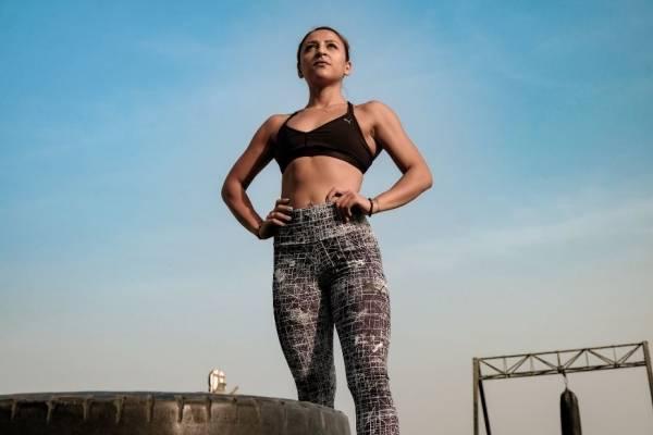 rutina de ejercicios para adelgazar el abdomen en casa