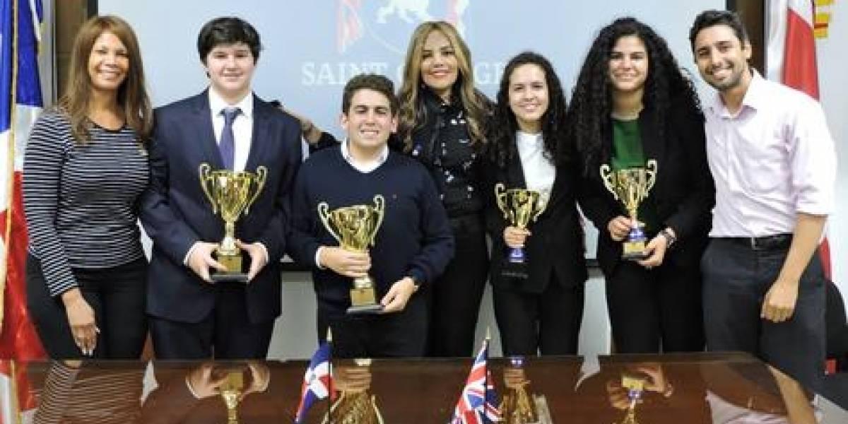 #TeVimosEn: Realizan tercera edición del Torneo de Debates Saint George School