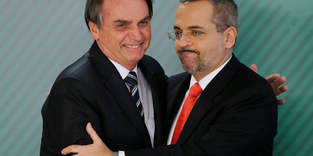 Bolsonaro sobre Weintraub: 'mais um problema que estamos tentando solucionar'