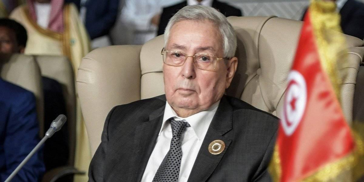 Parlamento de Argelia nombra a presidente interino tras protestas