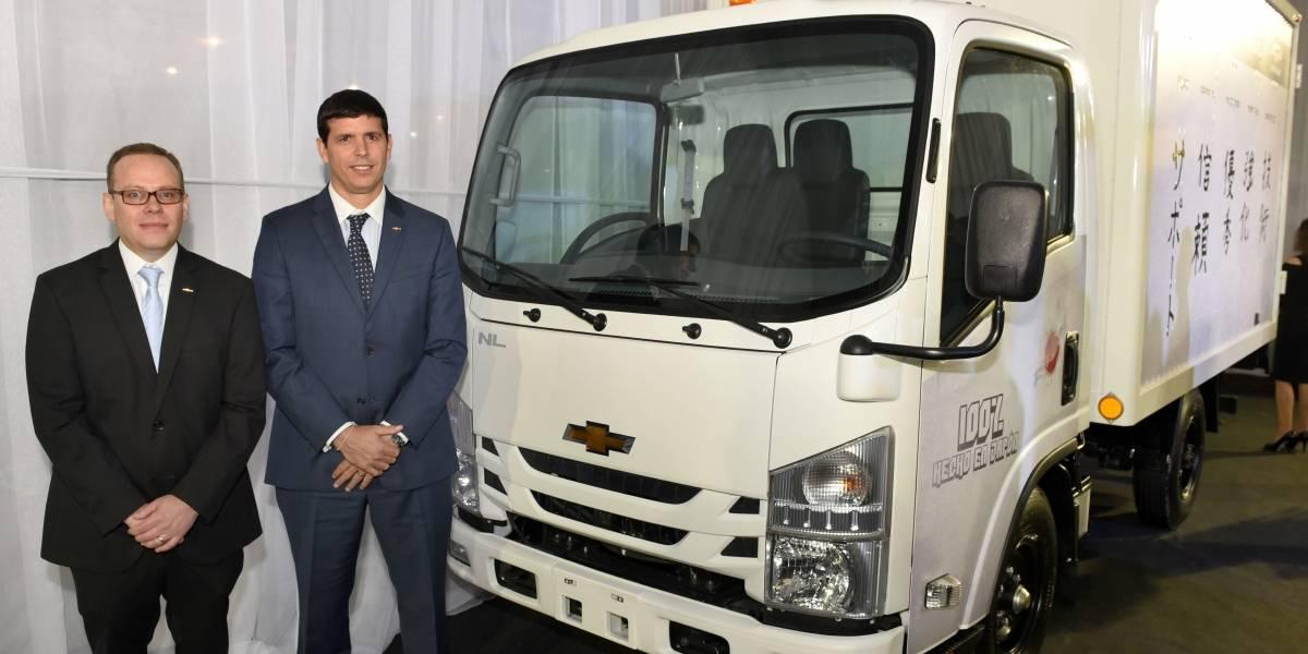 Chevrolet presenta su renovado portafolio de camiones