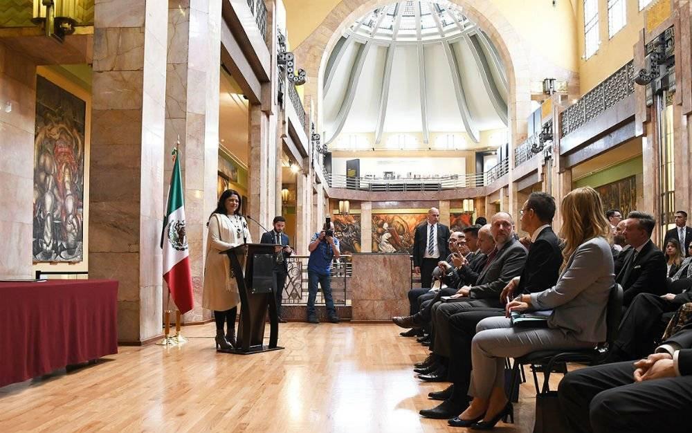 Cancilleres de México y Hungría acuerdan impulsar el comercio y la inversión
