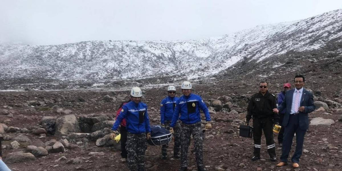 Rescatan un cuerpo a la altura de un refugio en Chimborazo