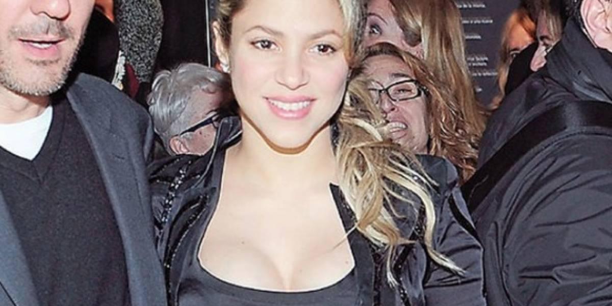 Shakira con un diminuto vestido revela su celulitis y fanáticos la critican