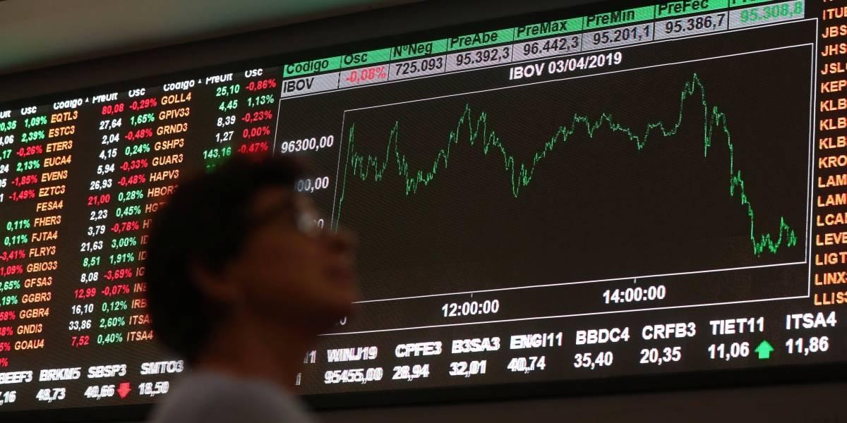 Bolsa sobe e fecha no maior nível em mais de dois meses