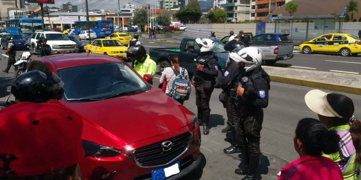 Quito: Auto diplomático causa accidente de tránsito en la Avenida Amazonas