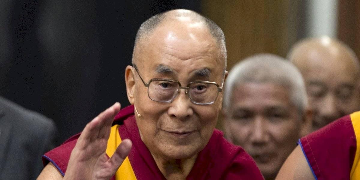 El dalái lama pide disculpas por sus comentarios sobre las mujeres