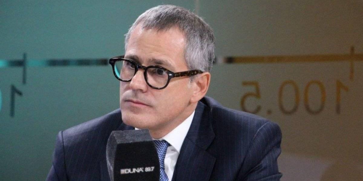 Director ejecutivo de Canal 13 se cuadra con el humor de Yerko Puchento tras millonaria multa