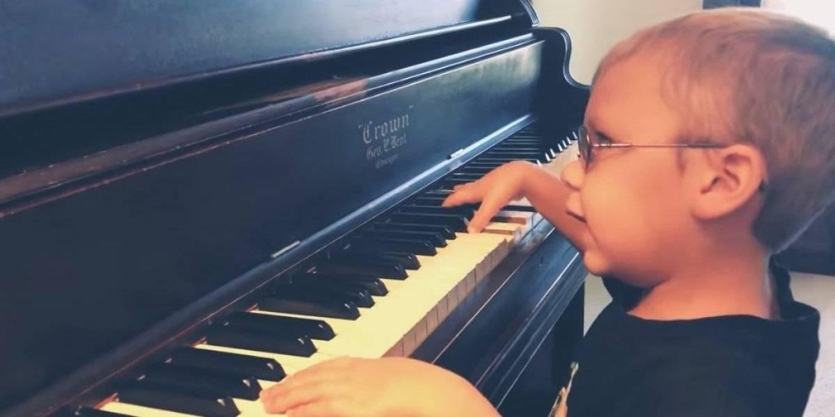 """Niño pianista enamora en Internet con su increíble interpretación de """"Bohemian Rhapsody"""""""