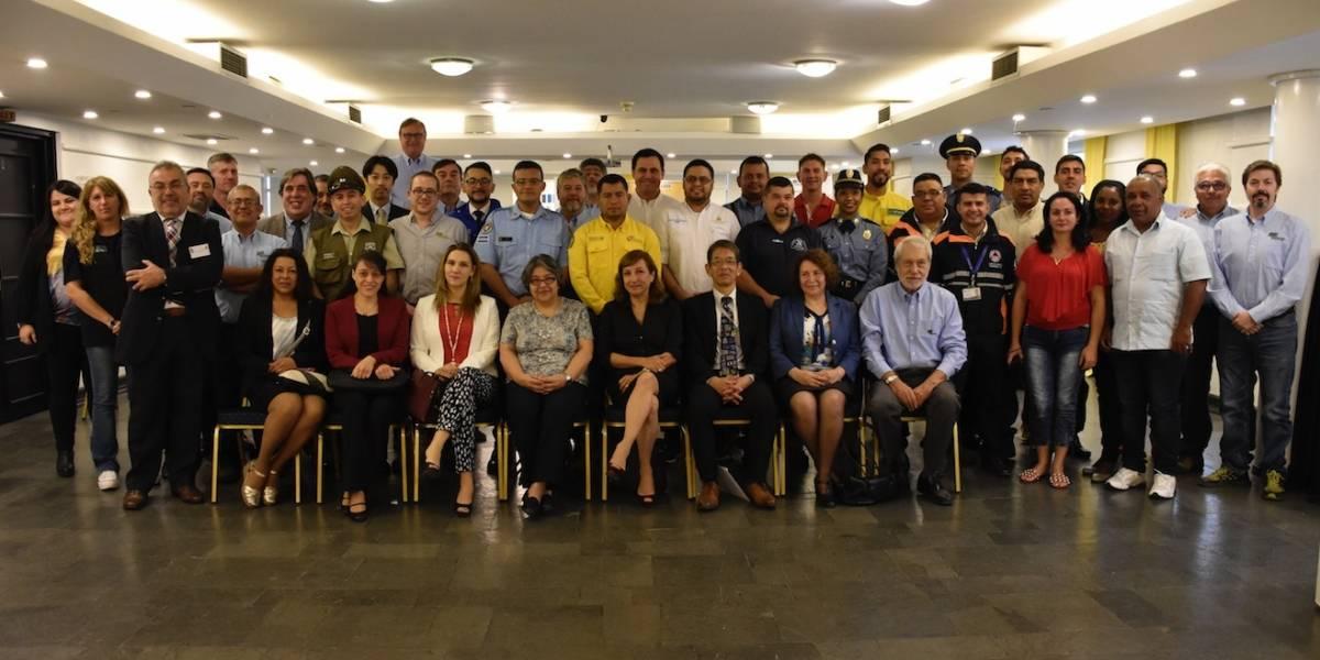 Modelo a seguir: Conaf prepara a brigadas de toda Latinoamérica contra los incendios