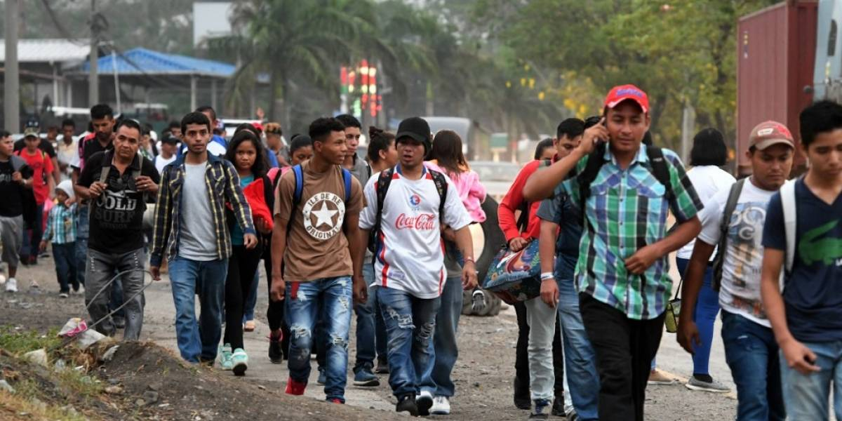 Hondureños piden refugio a las autoridades mexicanas
