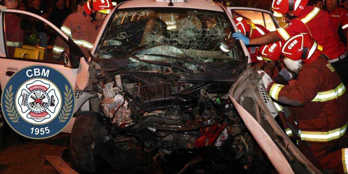 Piloto de taxi es rescatado con equipo especial tras choque en zona 12