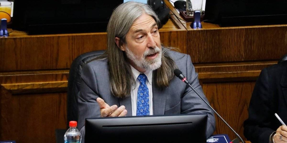 """Juan Pablo Letelier: """"Parece que el Gobierno tuvieran un plan maléfico para que siga el desorden"""""""