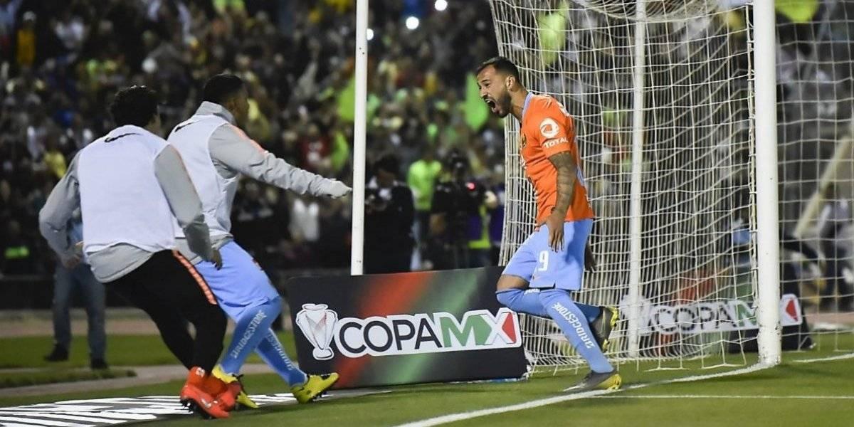 Nicolás Castillo celebró desde lejos su primer título con América en México