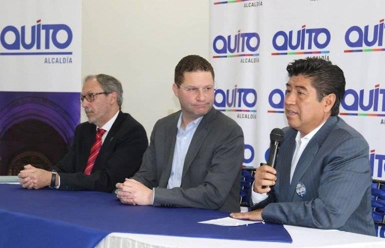 Alcalde Mauricio Rodas y su homólogo electo, Jorge Yunda