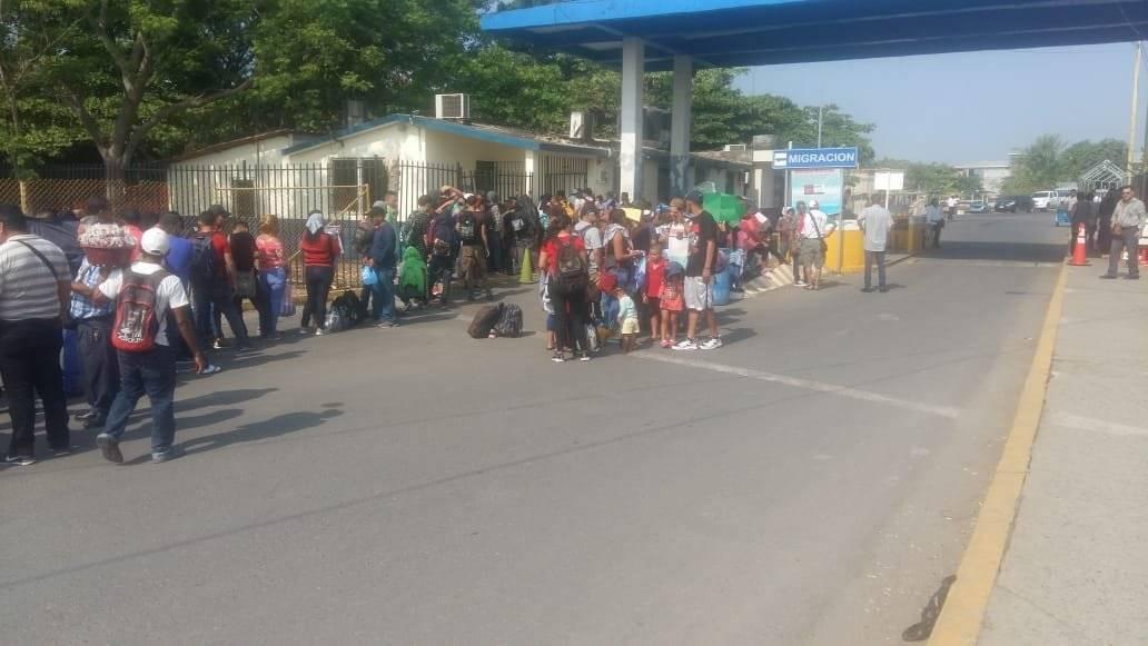 Caravana de emigrantes hondureños llega a Guatemala. Migración