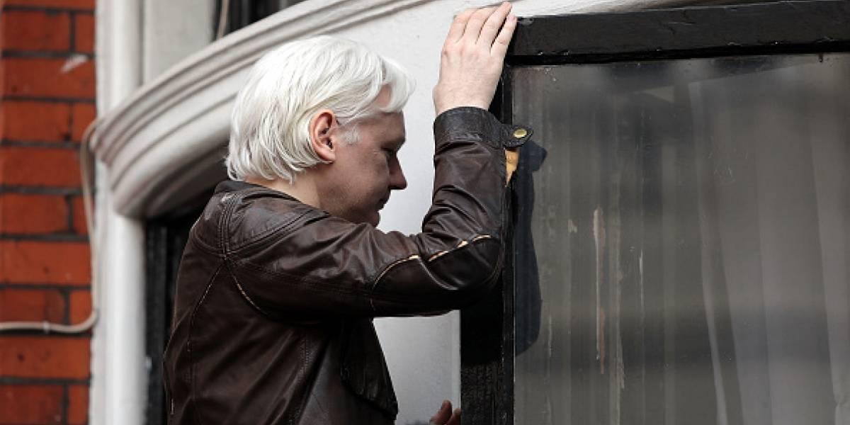 Ecuador retira el asilo a Julian Assange