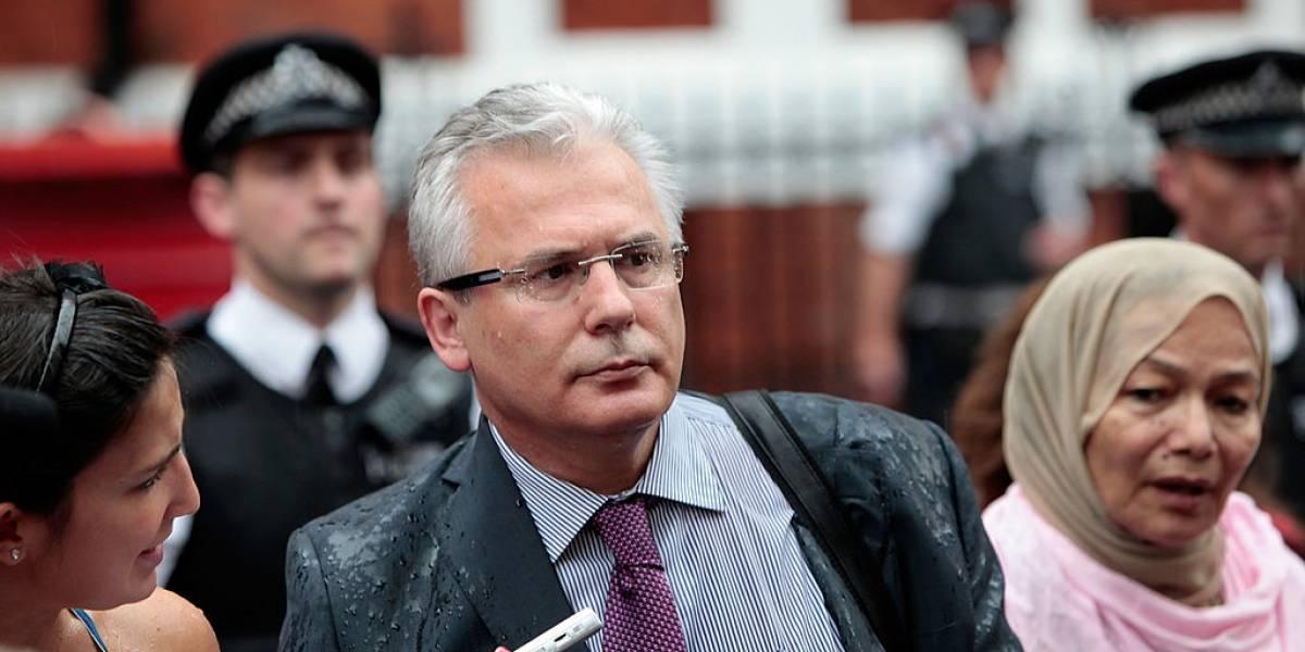 """Baltasar Garzón coordina defensa de Assange: """"La persecución desde EE.UU está más vigente que nunca"""""""