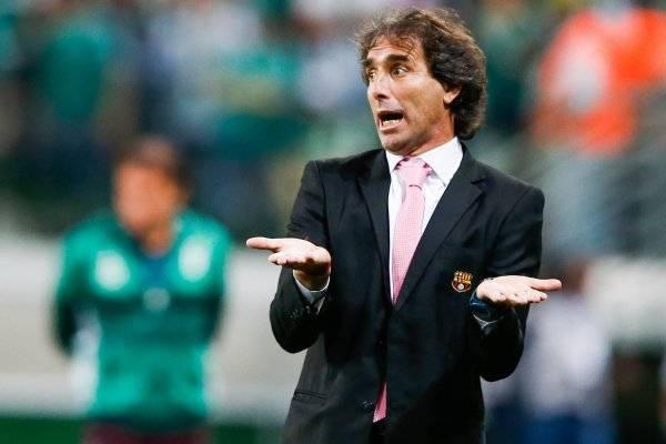 Guillermo Almada, nuevo director técnico de Santos — Oficial