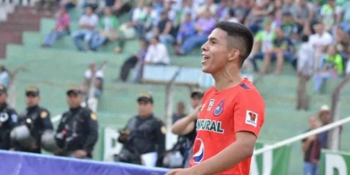 John Méndez sufre una seria lesión y la afición roja le demuestra su cariño