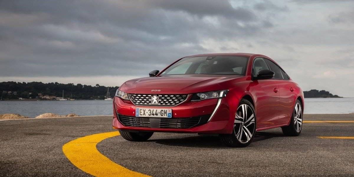 Peugeot muestra el sedán 508, su carta para unir dos mundos