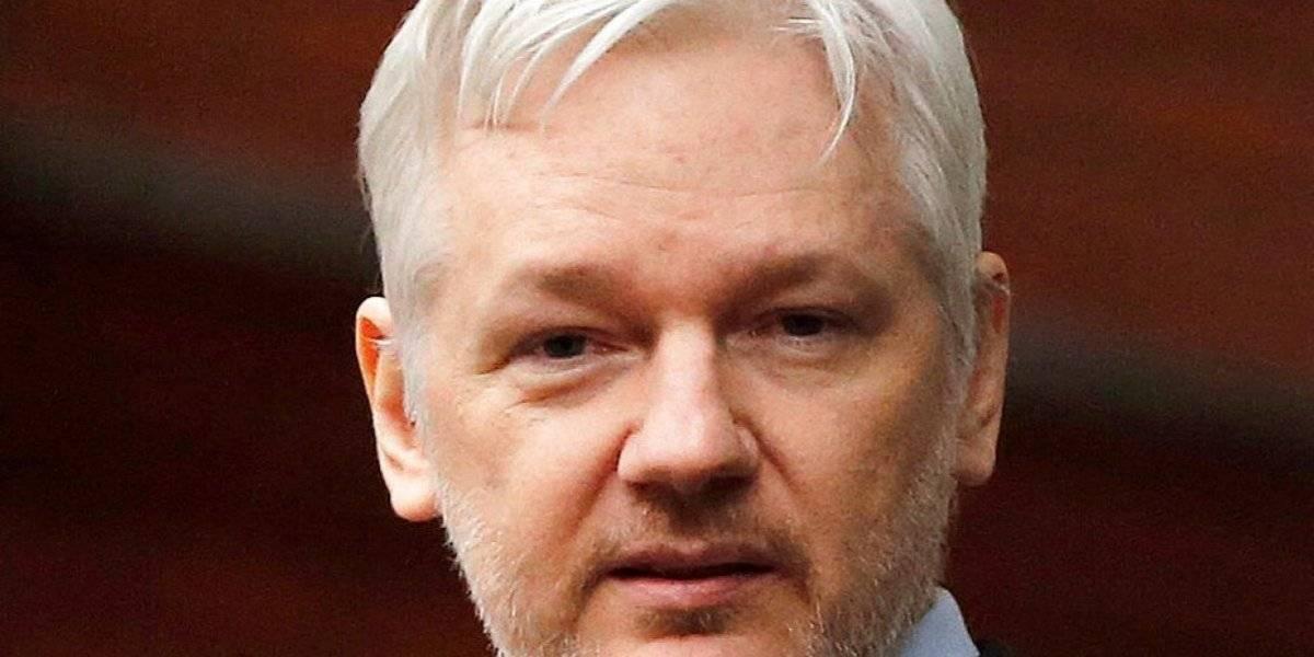 Detienen a fundador de Wikileaks en la embajada de Ecuador en Londres