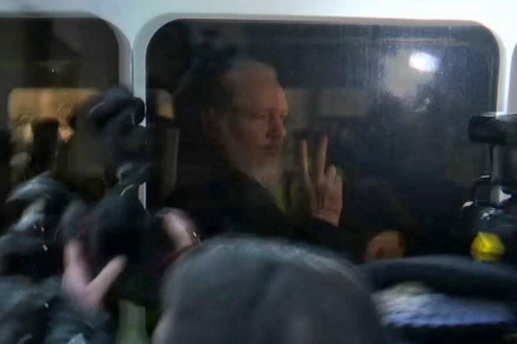 Julian Assange capturado en Londres