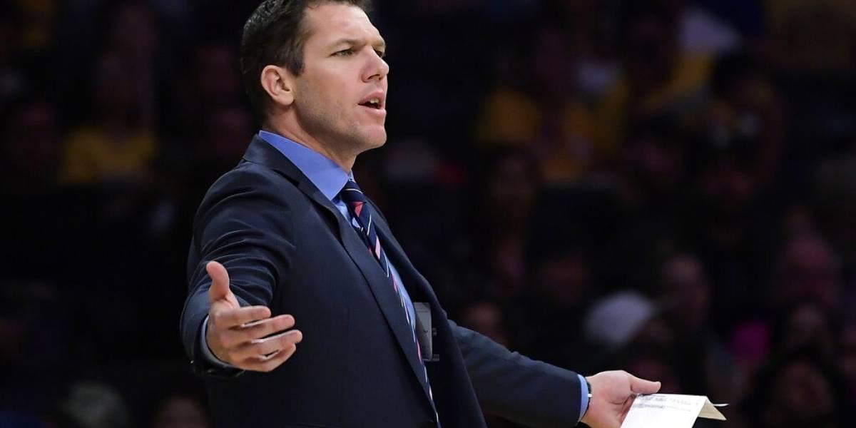 Walton se desvincula como entrenador de Lakers