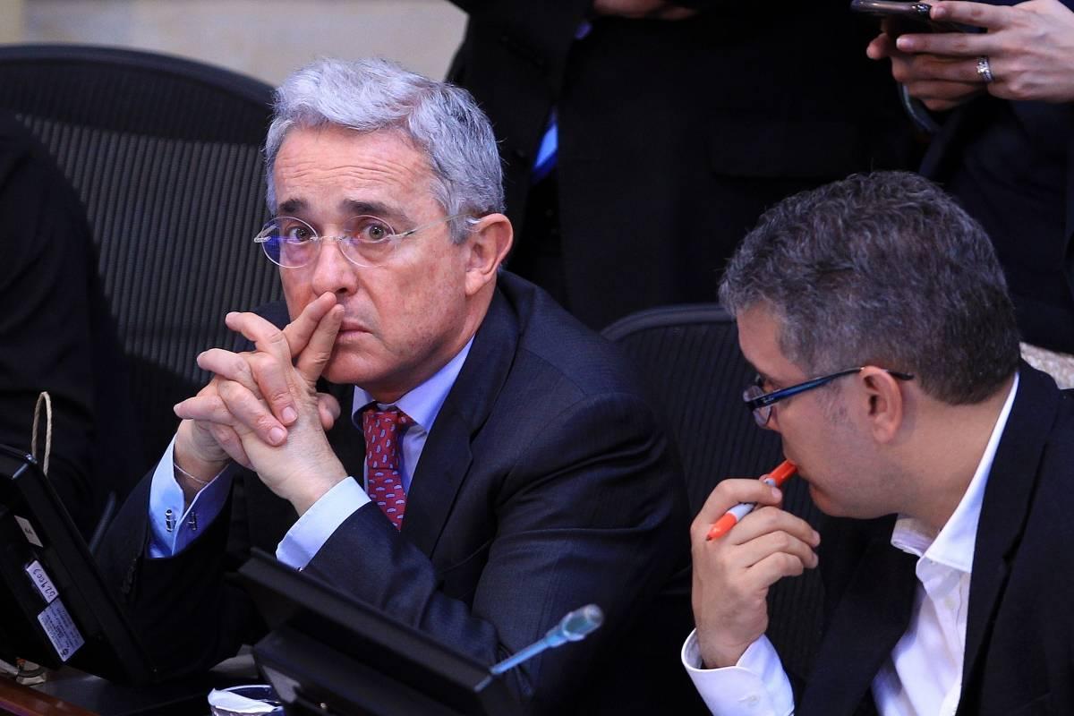 La respuesta de Uribe luego de que María Jimena Duzán le dijera 'orangután'  | Publimetro Colombia