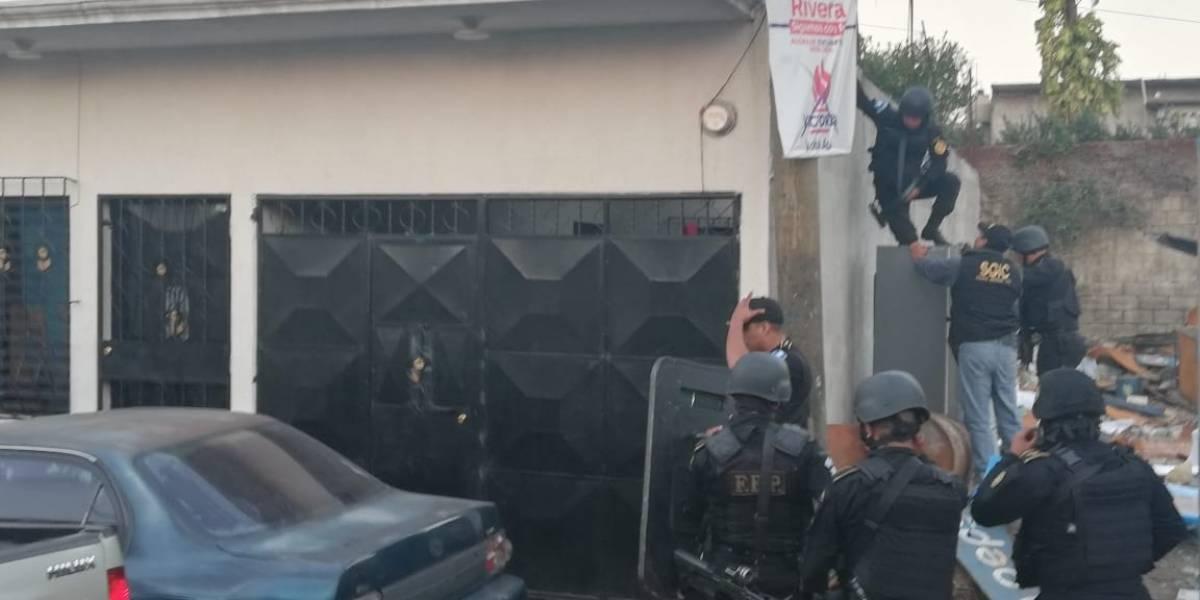 """Capturan a presuntos integrantes de la banda de roba motos """"El Sharawi"""""""