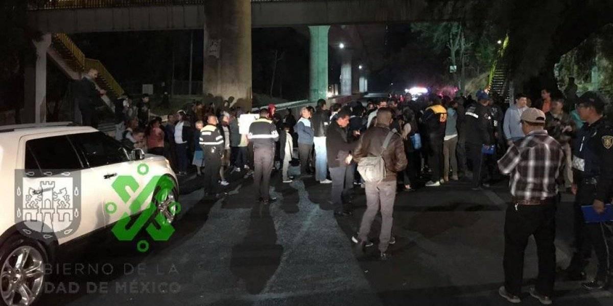 Manifestantes complican salida de turistas por la autopista México-Cuernavaca