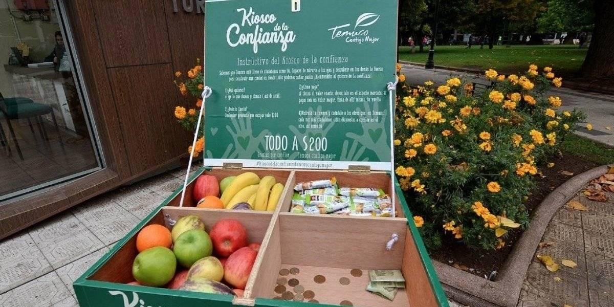 """Plaza de Temuco inaugura el """"Kiosco de la Confianza"""": todo costará $200, habrá solamente alimentos saludables y no tendrá vendedor"""