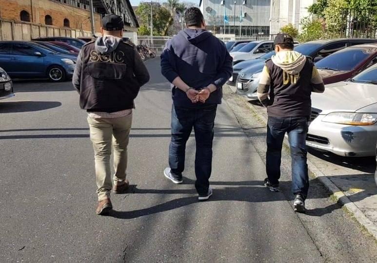 Capturados en operativo del MP y CICIG contra lavado de dinero en el IGSS. Foto: PNC