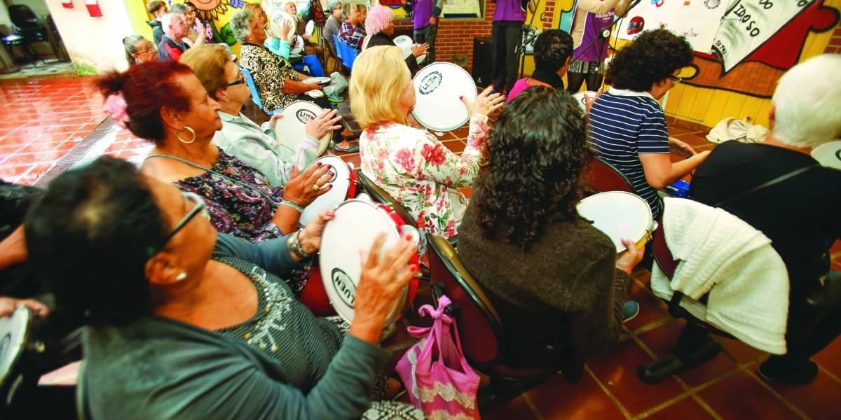 Instituto em Diadema oferece oficinas de grafite, dança e discotecagem para idosos e crianças