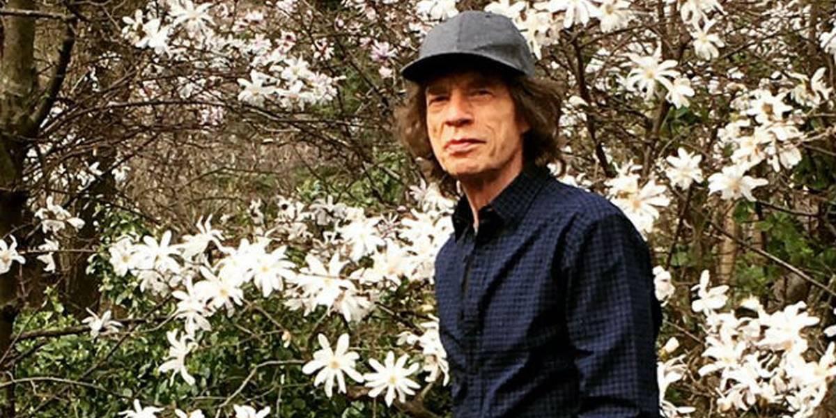 Mick Jagger faz primeira aparição após cirurgia cardíaca: 'Passeio no parque'