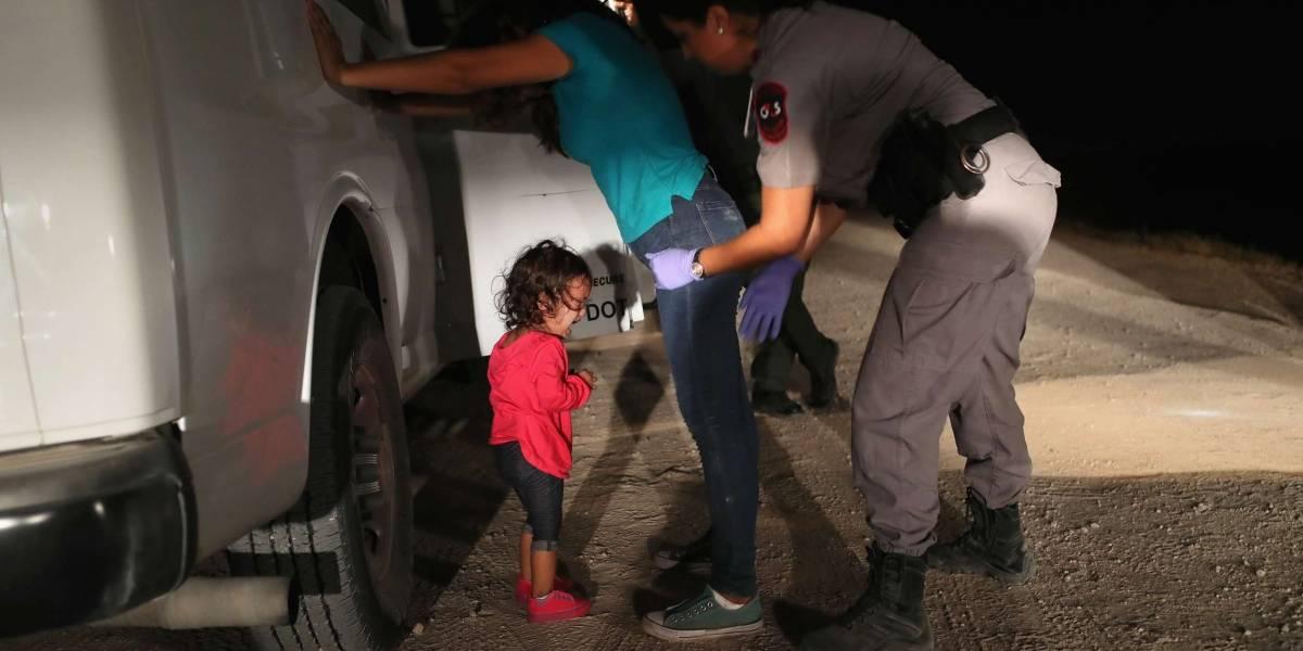 Foto de criança imigrante na fronteira dos EUA vence o World Press Photo